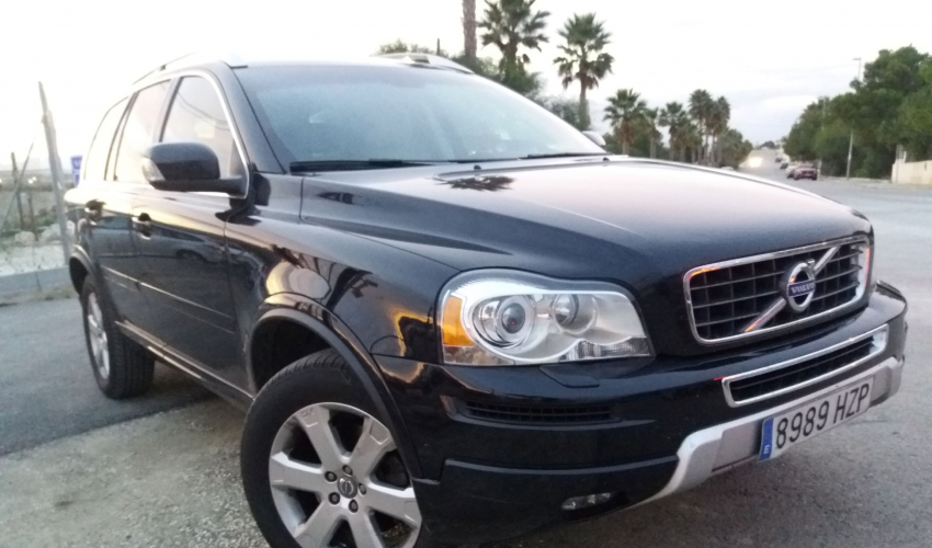 VOLVO XC90 2,4D5 AWD MOMENTUM AUTOMATIC